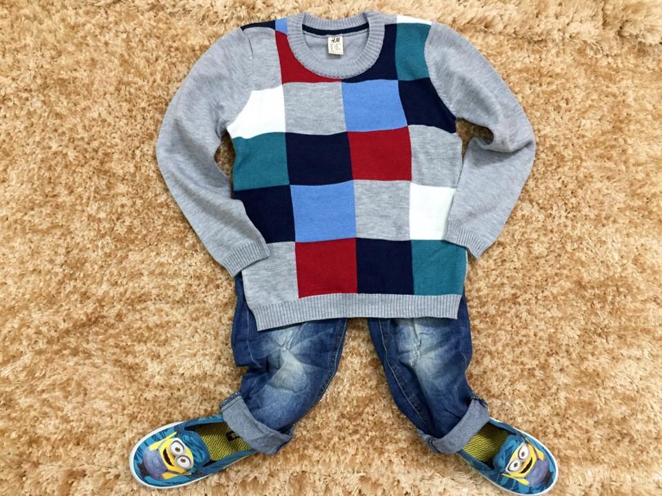 641. Size 1t đến 6 tuổi. 1 ri 6 là 1 màu. Khách được chọn màu (Tím than và Xám).