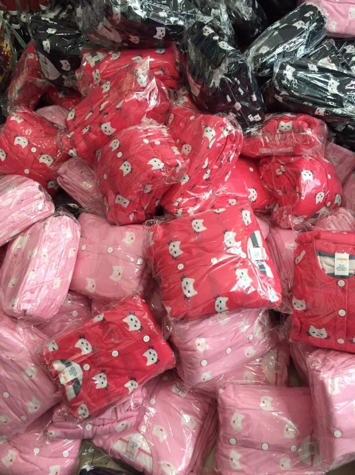 1055: 1 ri 15 áo đủ 3 màu đủ sz. - Made in Vietnam.